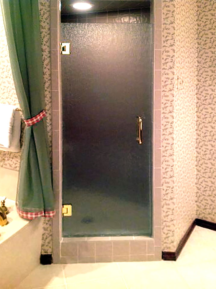 Single Shower Door with Pattern Glass
