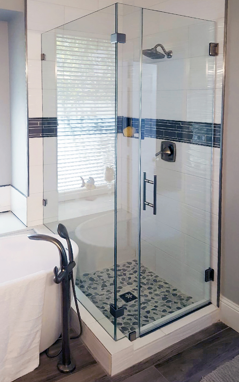 Small Shower Enclosure with Ladder Pull Handle