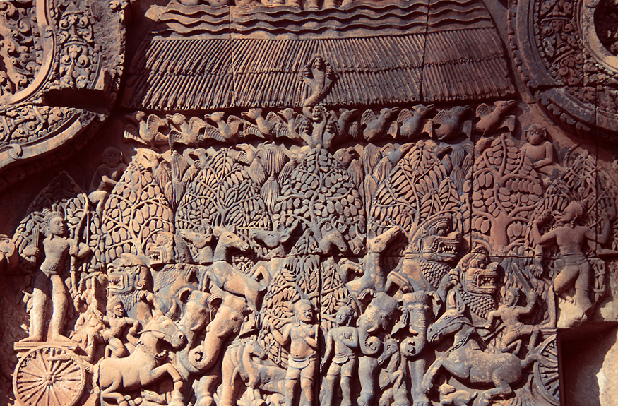 Carving showing a scene from the Mahabarata: the burning of Khāṇḍava Forest over which Indra was a protecting deity,byArjunaandVasudeva Krishna. © Claire Orrell 2014.