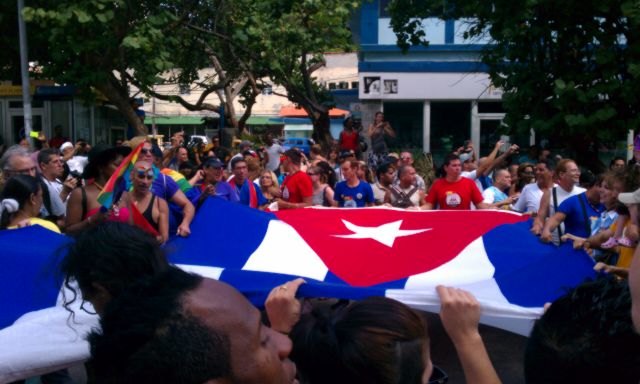"Cuban flag at the ""Conga"" - the LGBT Pride parade in Havana (2015)"