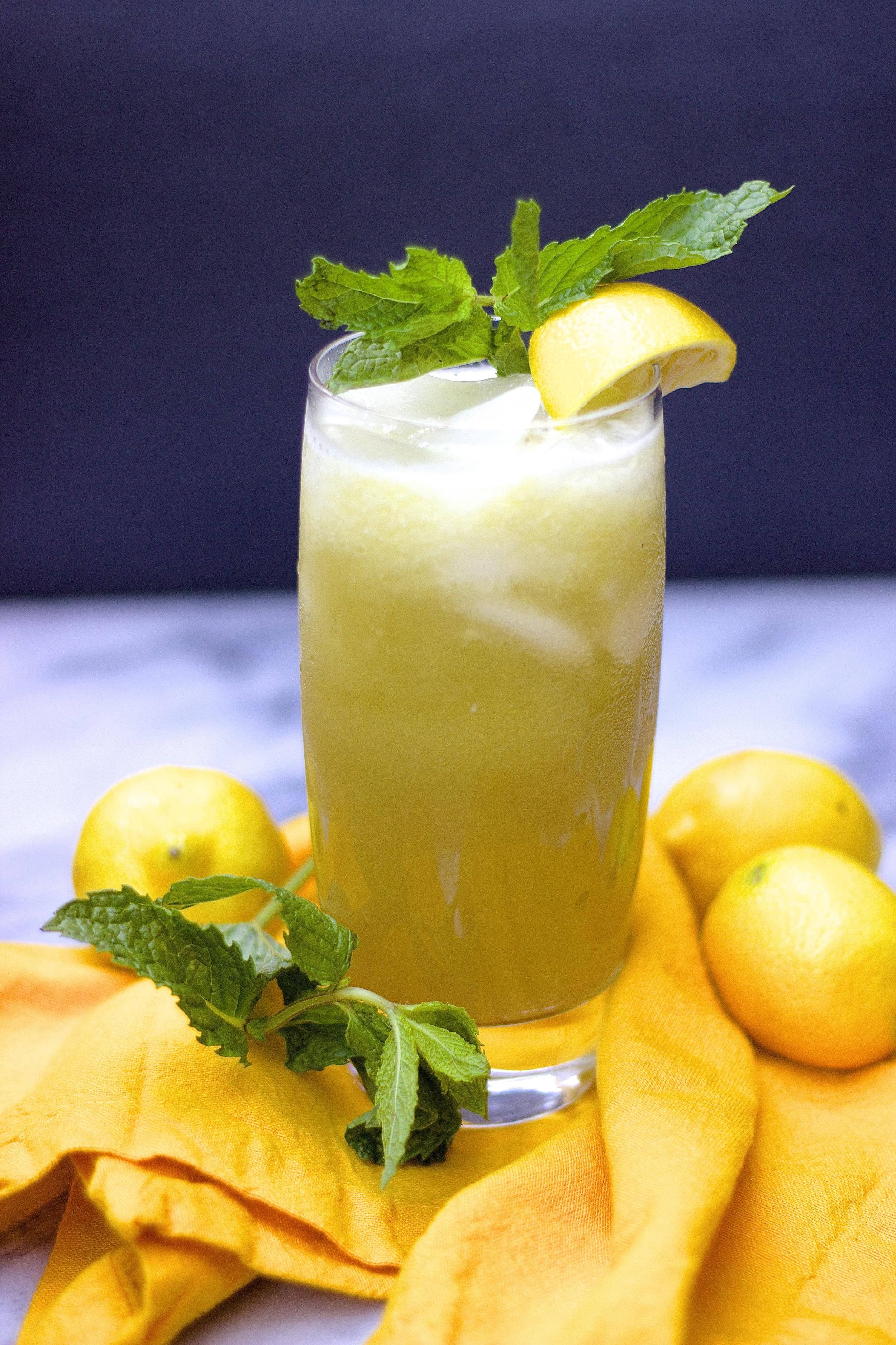 Cucumber Mint Lemonade | Kneading Home