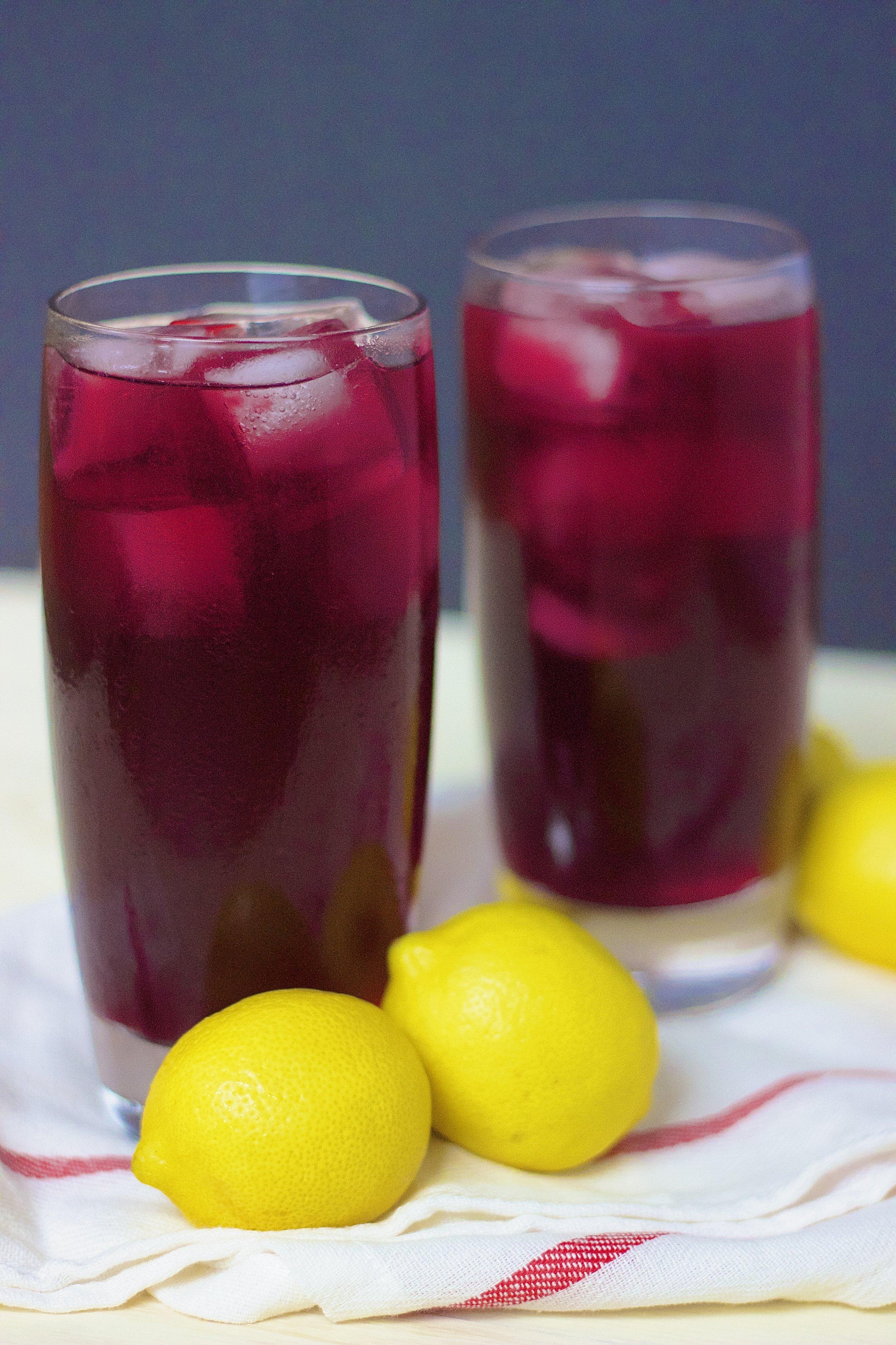 Tinto de Verano {Spanish Summer Wine Spritzer} | Kneading Home