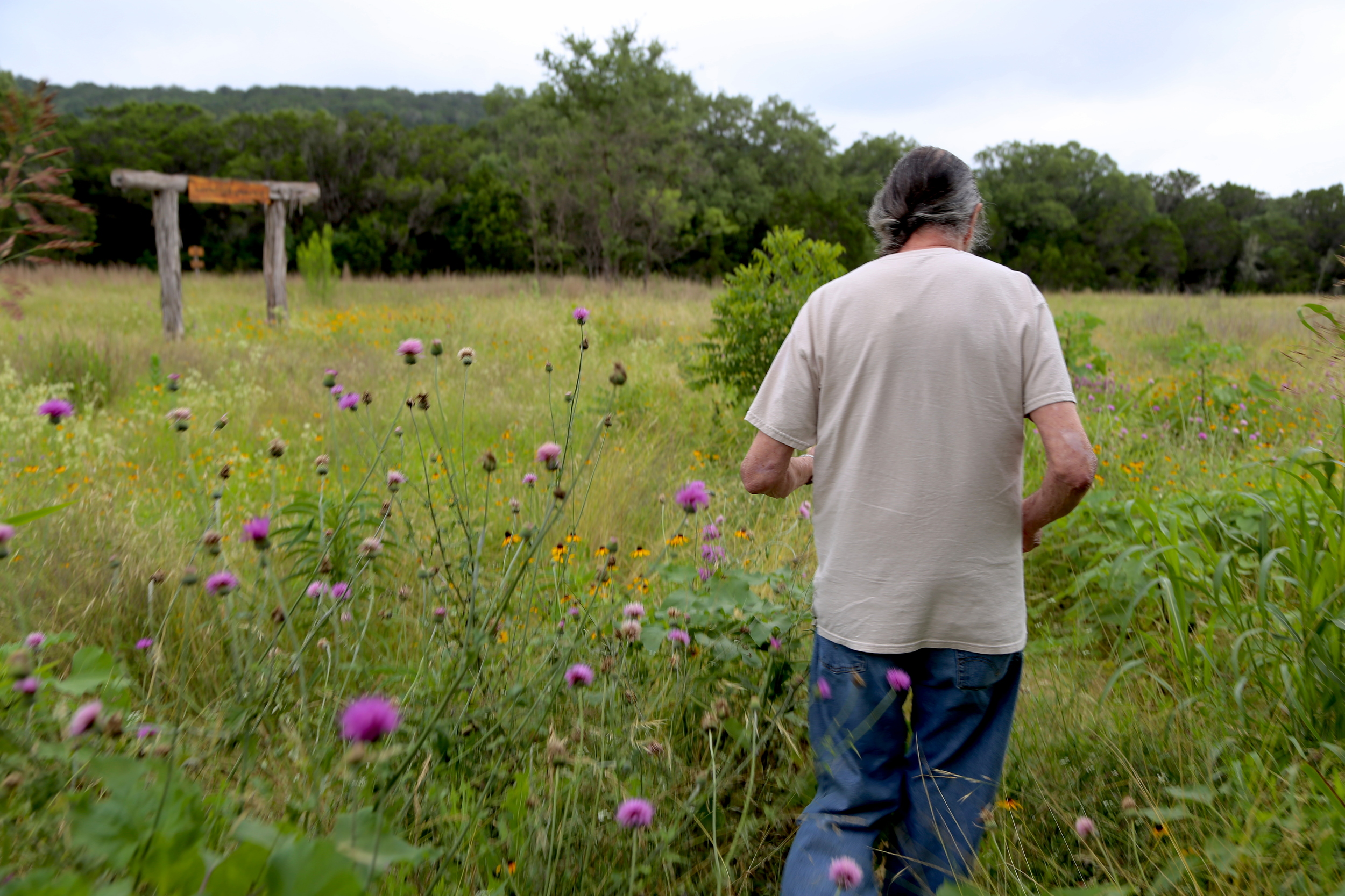Lonnie Shockley leads me to one of their removal sites in the northwest region of San Antonio.