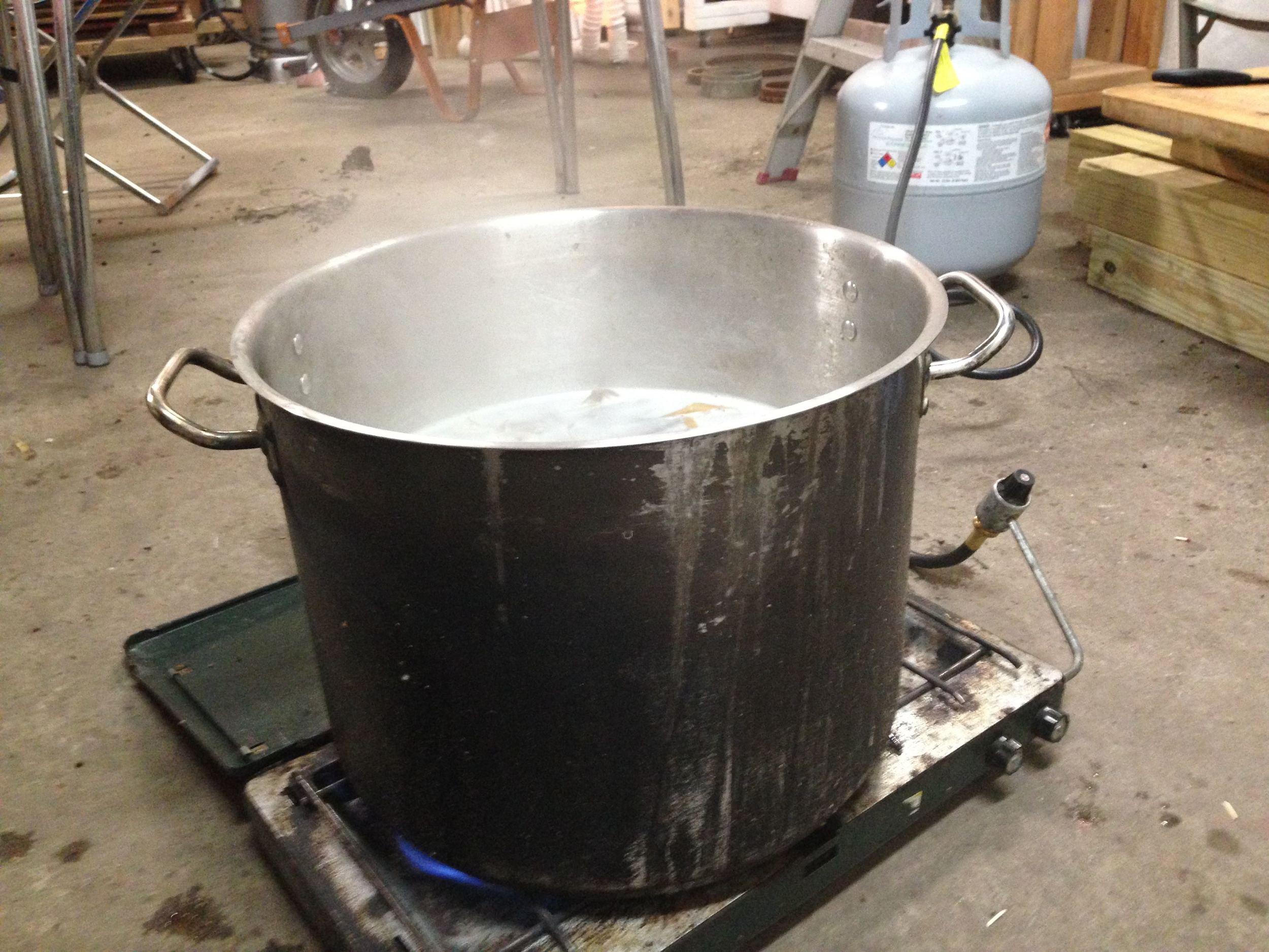 6. cooking_of_honeysuckle_fibers.jpg