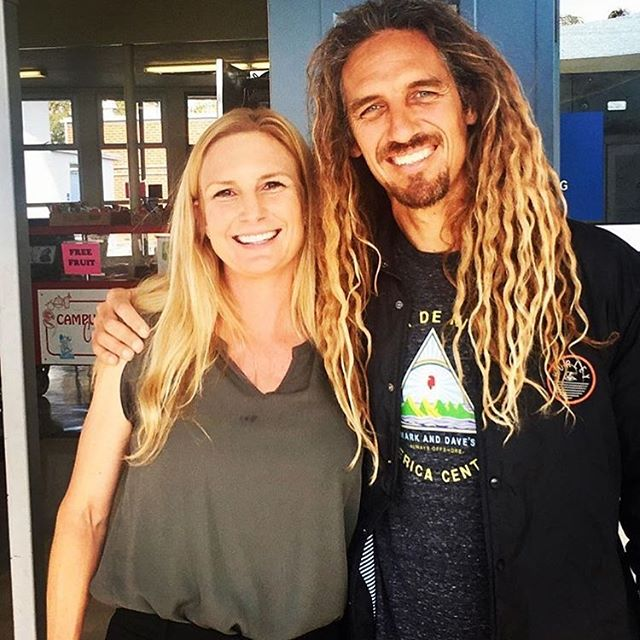So rad! Our Board Member, Jen Fox @jennifer67674 got to introduce @rob_machado today at @ensignschool where she is the Assistant Principal. The @robmachadofoundation and @arborrealestate teamed up to sponsor a new water station on the Ensign campus and provided free water bottles for all students! Awesome and impactful community work all! // Quick side note - Jen is a huge part our organization! She's the mastermind behind the success of our scholarship program - managing all critical details from outreach to analysis and coordination of the entire scholarship committee. As this year's applications are currently in review, we thought we take this opportunity to share that and say thanks to Jen for all of your hard work! 🙏#gratitude #bendidgo