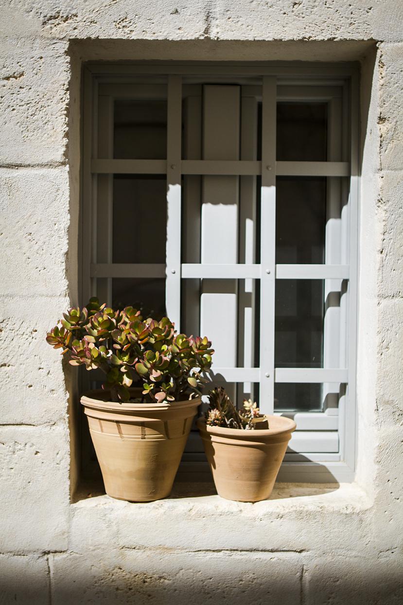 typical windows in the Casetas.jpg