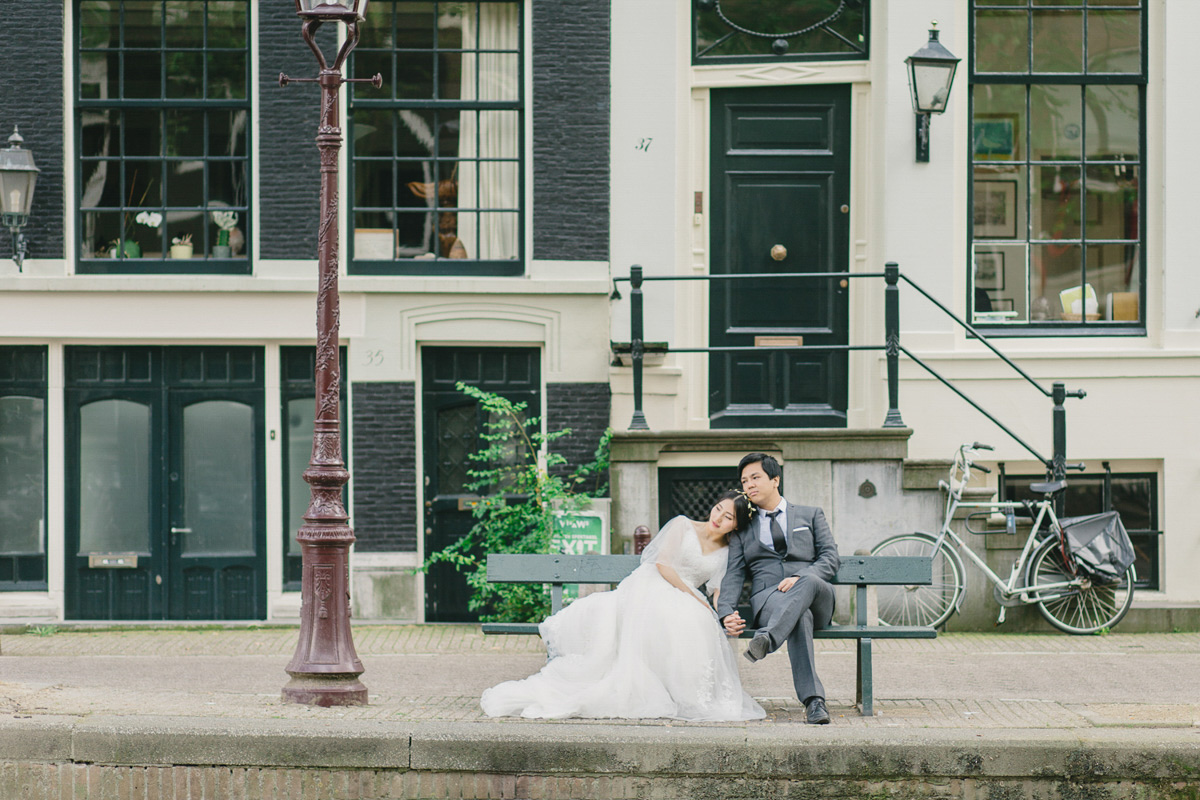 romantic-canal-wedding-in-amsterdam