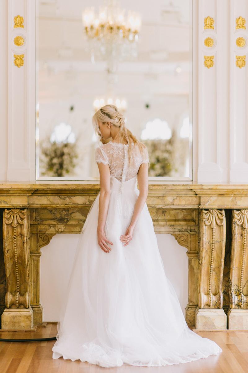 intimate-stylish-wedding-wereldmuseum-rotterdam