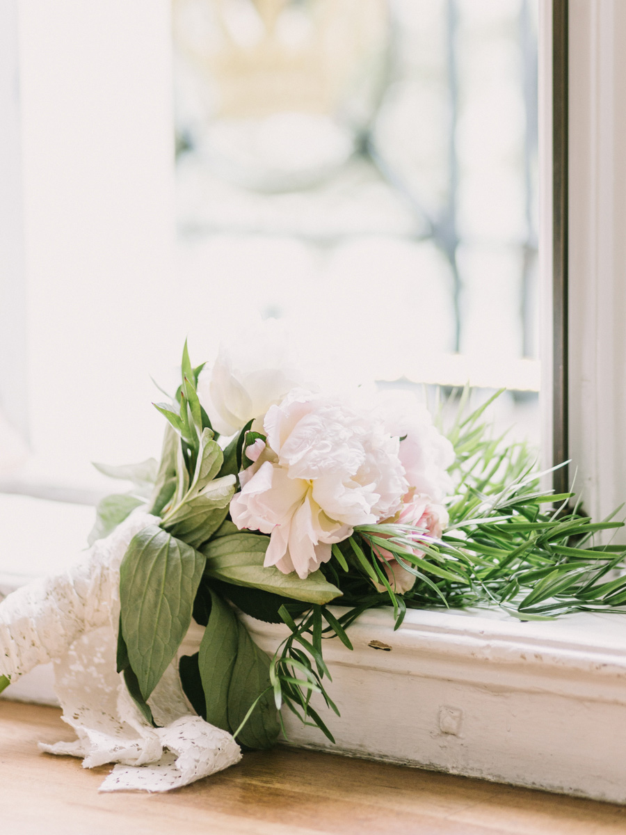 romantic-peonies-bouquet