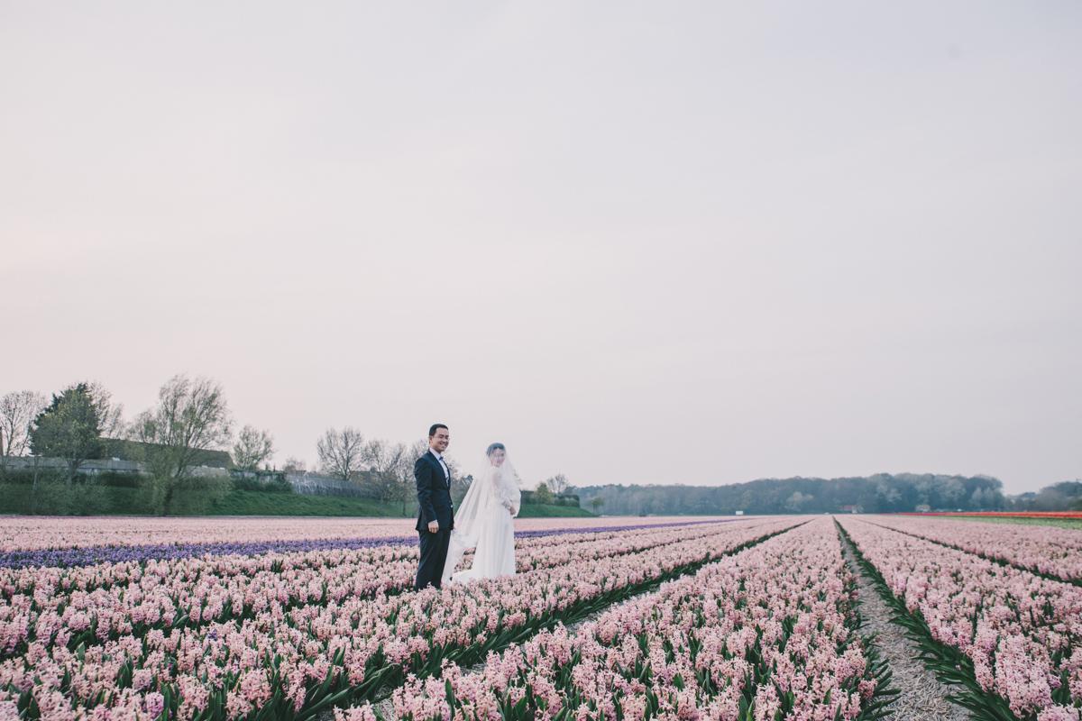 tulip-field-wedding-in-the-netherlands