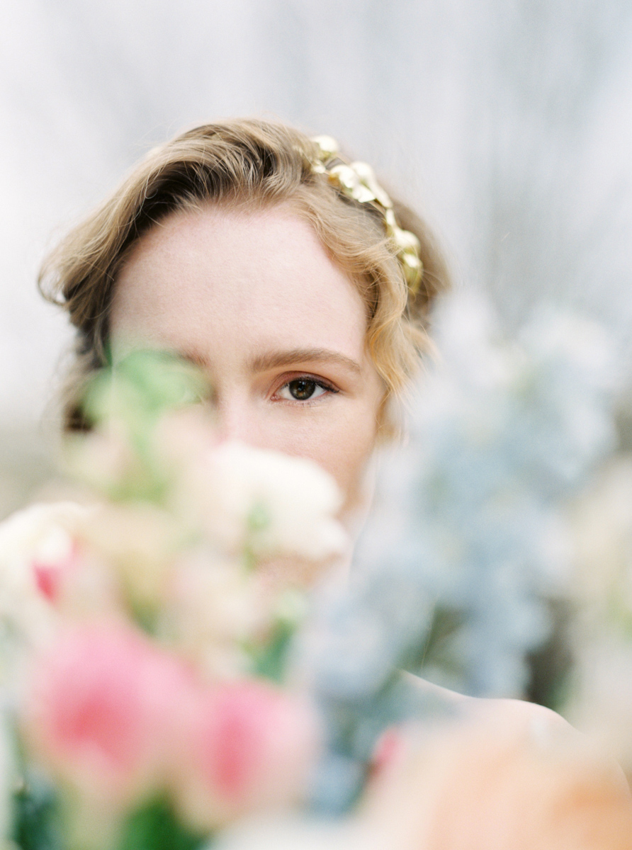 rustic_fine_art_bridal_portrait_film_photographer_europe