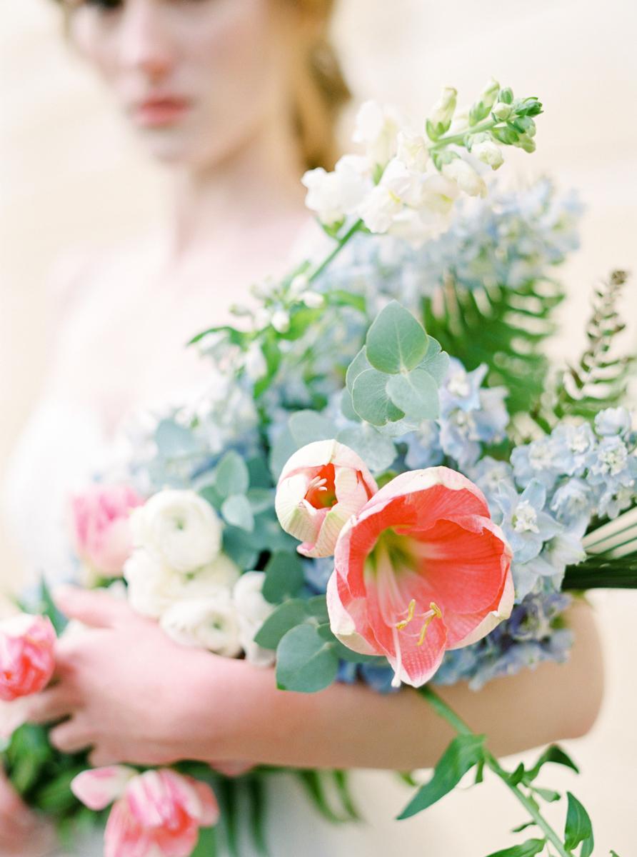 Rustic_flower_bouquet_inspiration_bruidsboeket_inspiratie