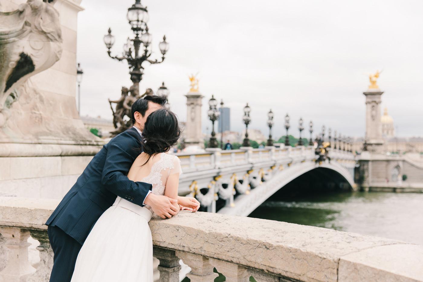 Intimate_Paris_Wedding_Pont_Alexandre_III_Photoshoot_Engagement_