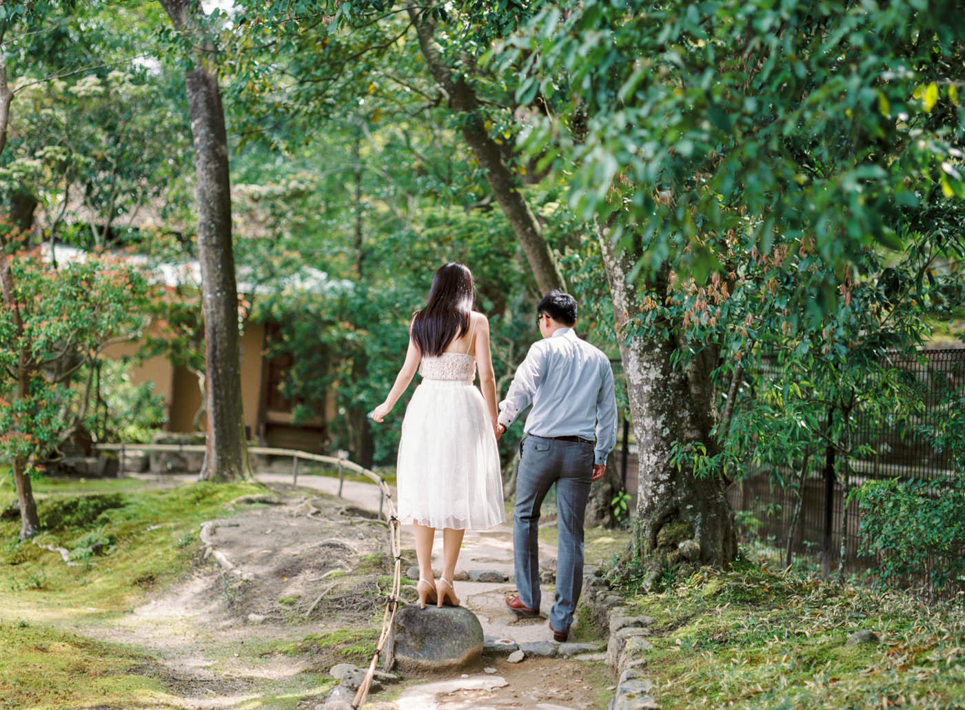 Japan_Engagement_Photographer_prewedding_cherry_blossom_Nara