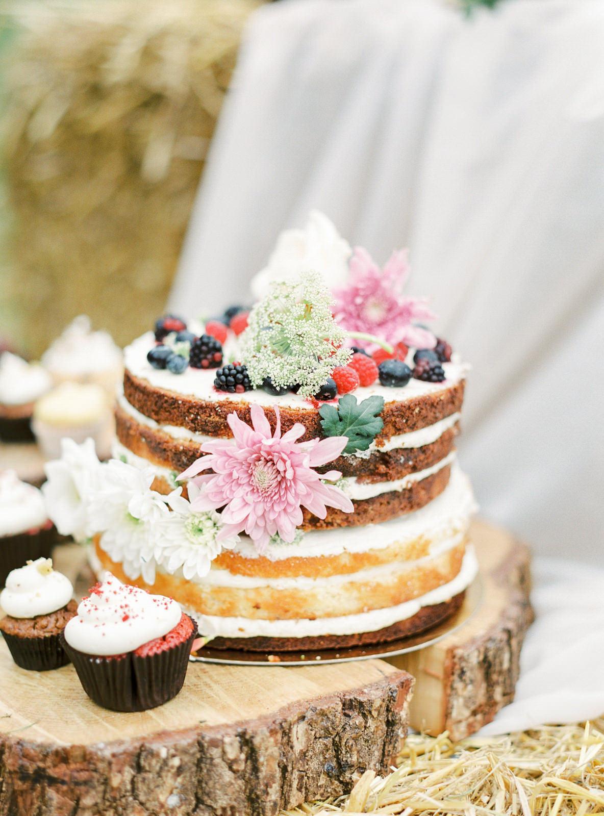 Branding Shoot Photo Idea for Cake Designer