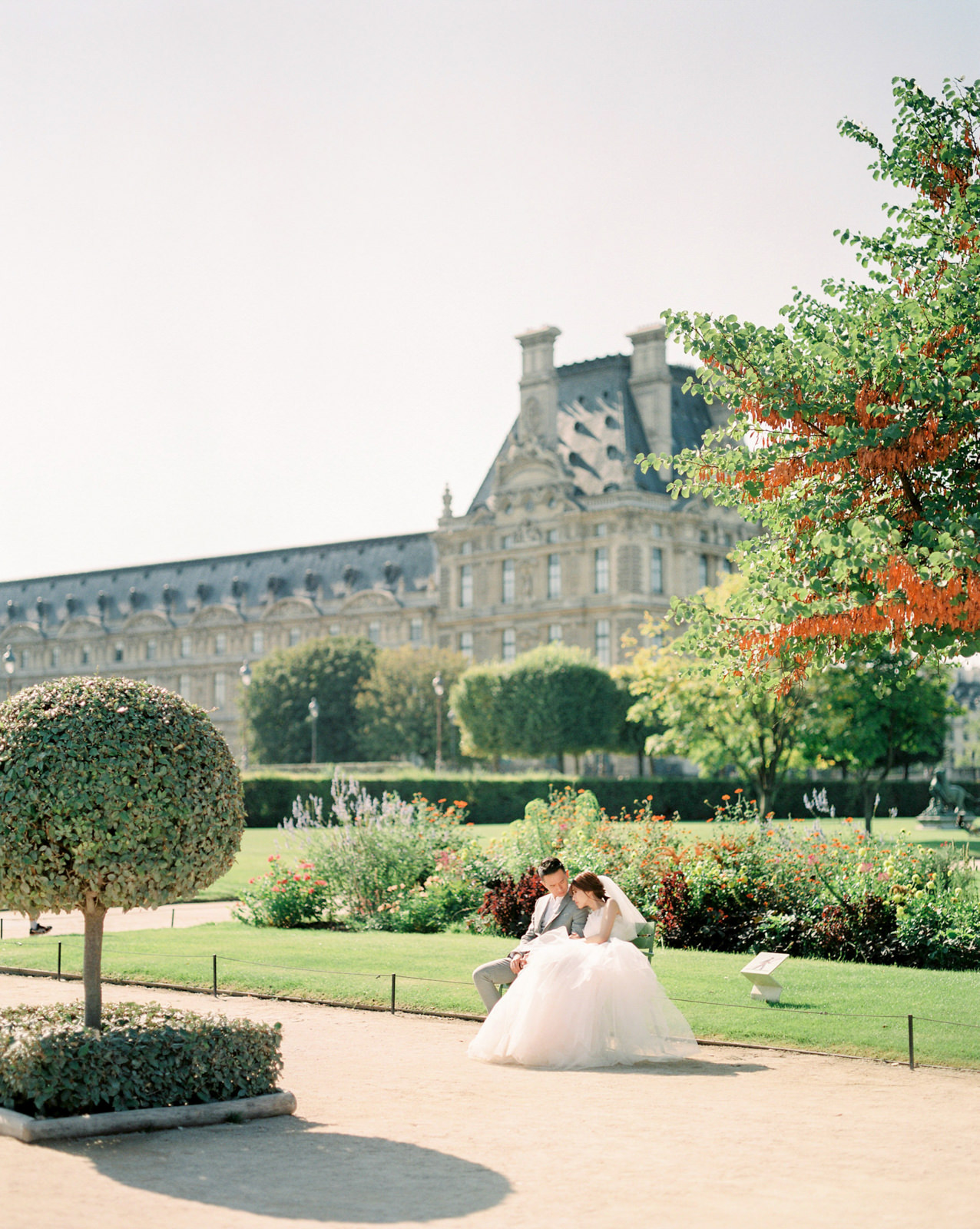 Museum Louvre Paris Pre Wedding Photography by CHYMO & MORE