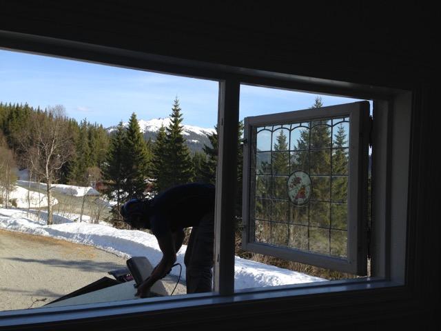 Remi tidlig i våres.... under demontering av to av vinduene...