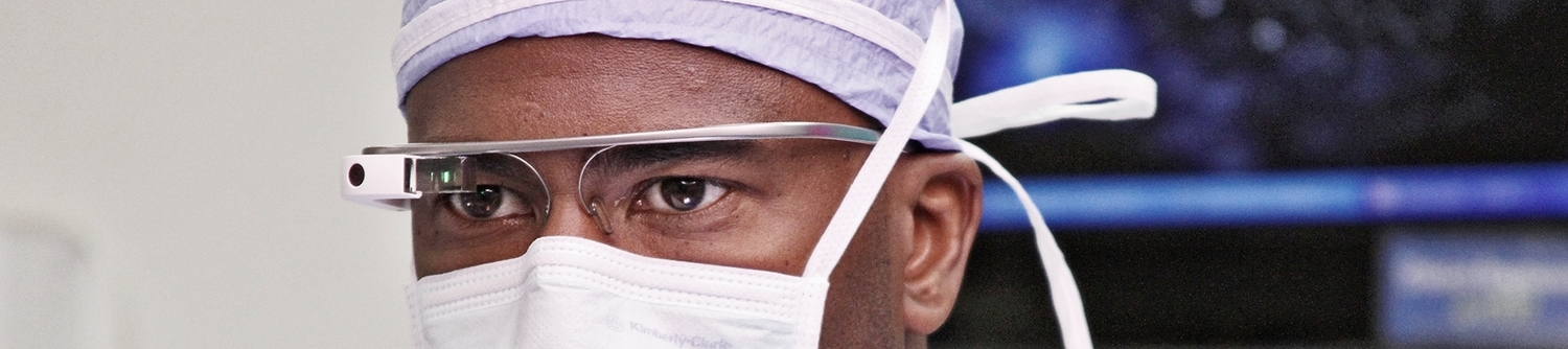 3022534-poster-p-1-a-surgeons-review-of-google-glass-in-the-operating-room.jpg