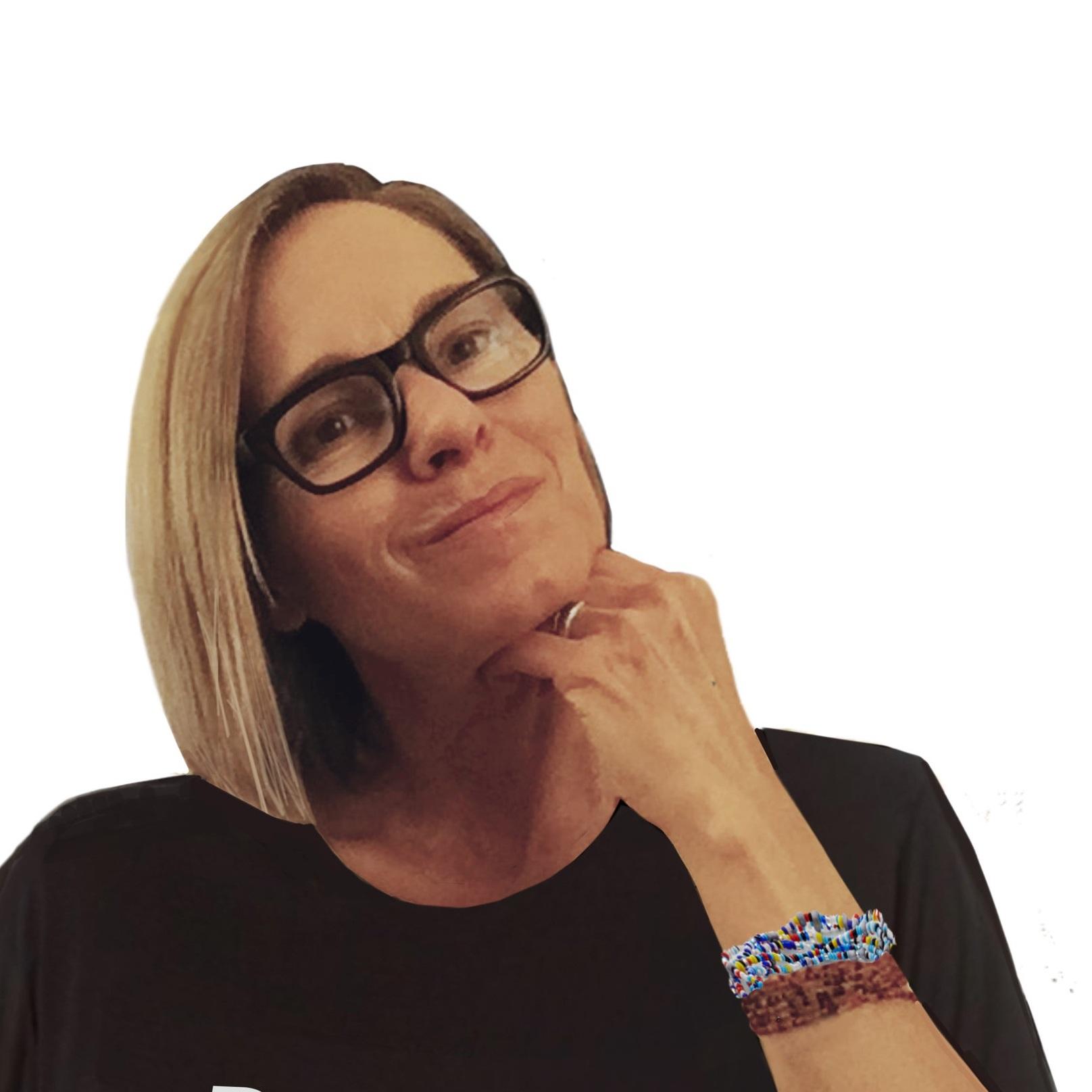 Paula Stunden-Smith - Logo Designer