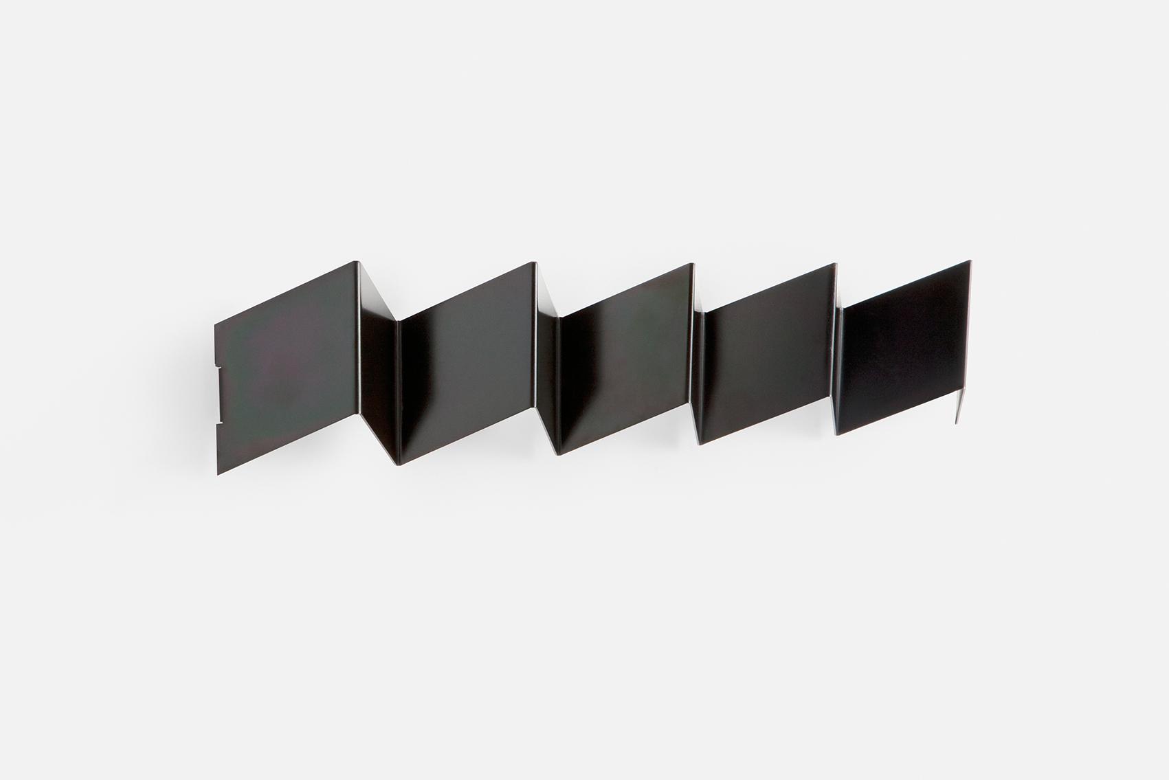 Fold coat rack in black zinc