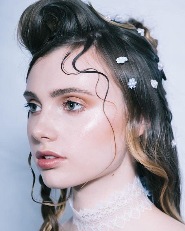 Shauna. Beauty test. . . . . . . . #hairstylist #beauty #makeup #photoshoot #yvr #peach #fujifilm_xseries #keymodels #portraits #fujifeed #fujifilm #200mm #portraitshoot #xpro2 #vancouvermodel #hairstyle #portraitmood #test #elinchrom #hairinspiration #portrait_shots #vsco
