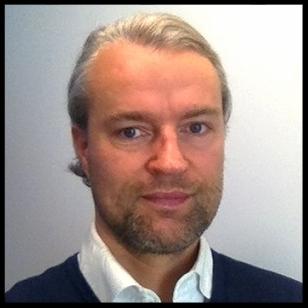 Halvor J Emanuelsen Faye    Daglig leder og partner    90 28 90 90    halvor@luxbelysning.no
