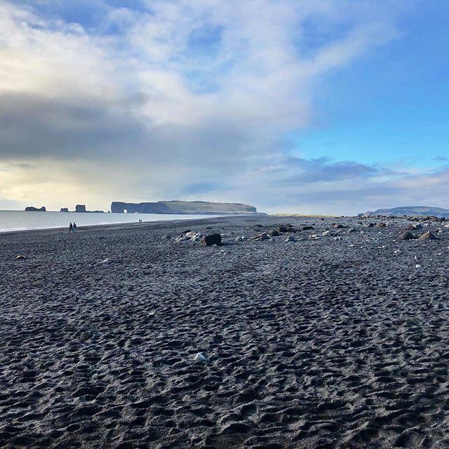Reynisfjara black-sand beach #reynisfjara #reynisfjarabeach #iceland #travelgram #vacaymode