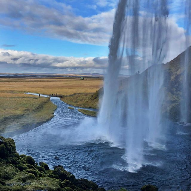 Seljalandsfoss #seljalandsfoss #seljalandsfosswaterfall #iceland #travelgram #vacaymode