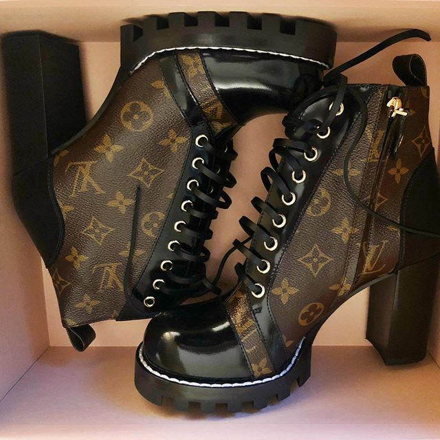 Shoeheaven-sent 😇 #unpacking #shoeheaven #louisvuitton #shoeporn #shoestagram #fashion