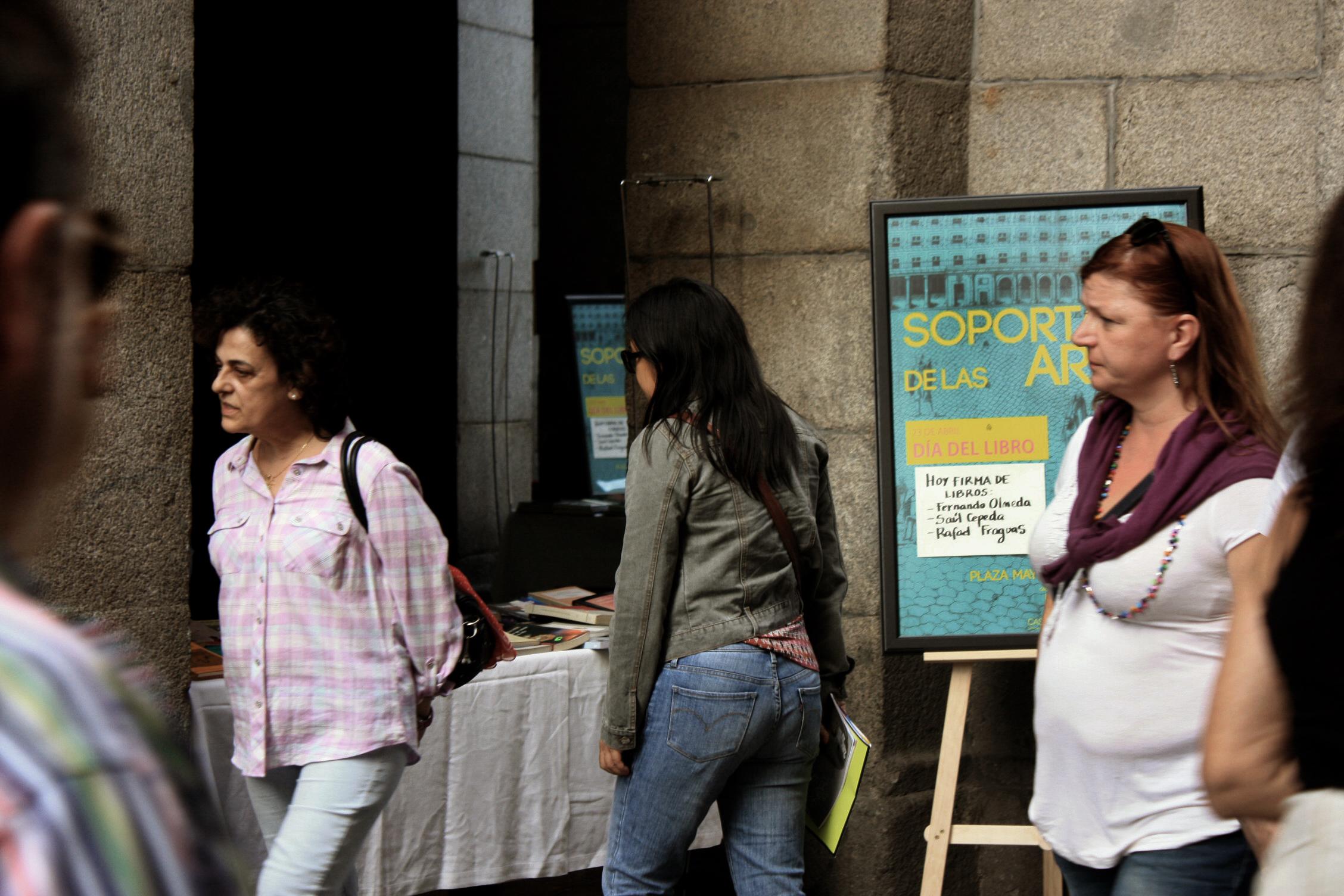 23.04.2015     Los soportales de las artes.        DÍA DEL LIBRO