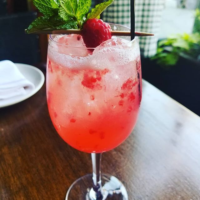 Come on down and cool off with a refreshing cocktail or a nice glass of vino! #summervibes #cocktails🍹 #wine #winebar #burgerandbarrel #soho