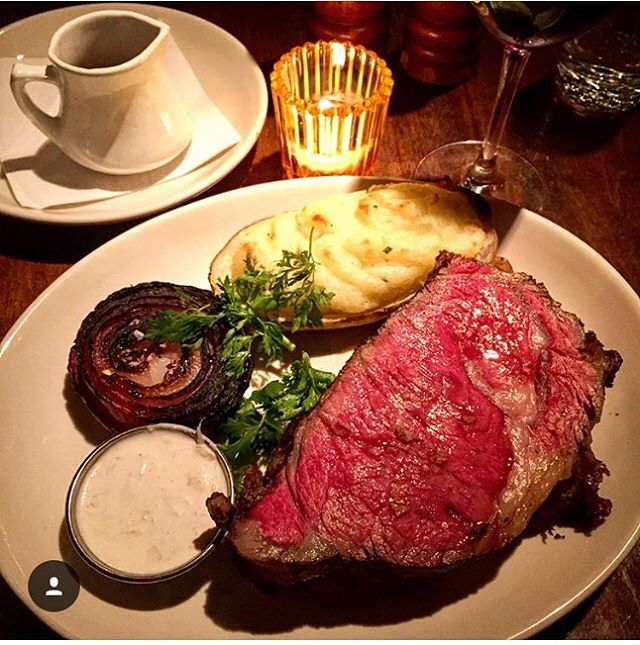 Nothing like pairing our #famous 8-Hour #slowroasted #primerib with some #amaronedellavalpolicella & #barolo🍷presented by a guest #italian wine producer for our #winewednesday this week !! Come before 8pm to meet this special guest 😃! 📸#props @polarpolarizer #burgerandbarrel #sohonyc #bnbwinepub