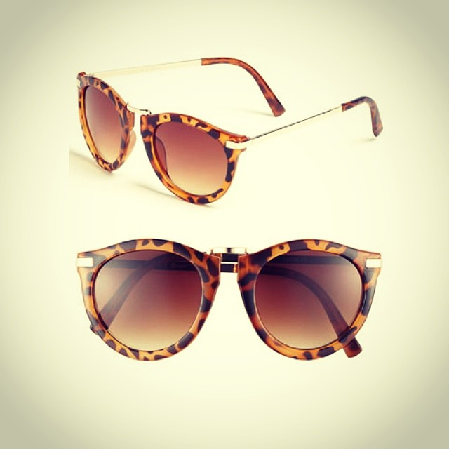 #sunnies #sunglasses #frames #retro #plastic #metal #tort #gold #optical #modernoptical #womanswear #womansfashion