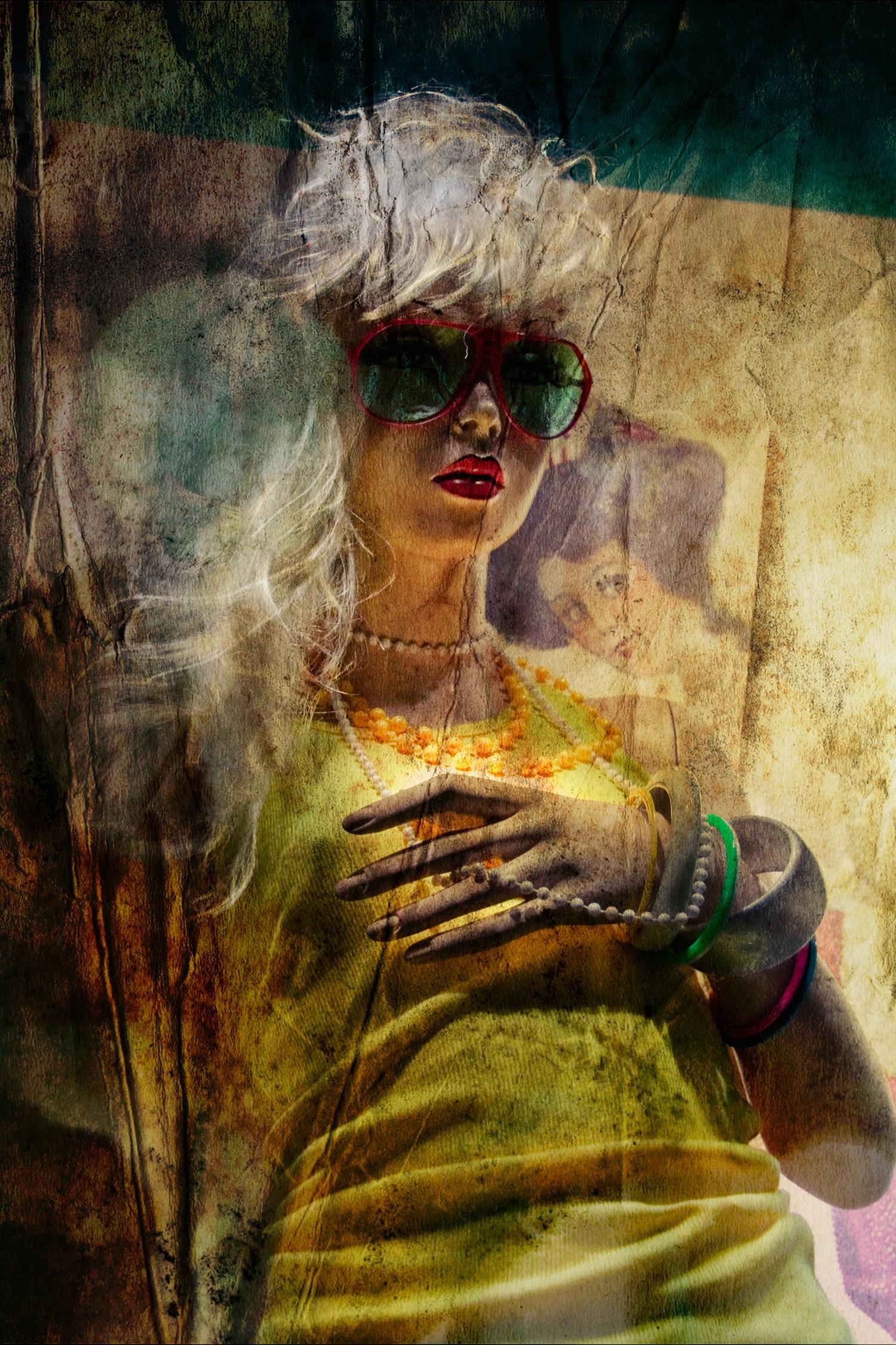 Plus qu'un simple présentoir, le mannequin permet aux clients de s'identifier rapidement à un look.Dans certaines vitrines, les postures, les mises en scène ou encore l'éclairage sont raffinés dans le but d'accentuer leur réalisme. À travers les vitres ces mannequins deviennent des reflets comme ceux d'un miroir.  Recherche personnelle.
