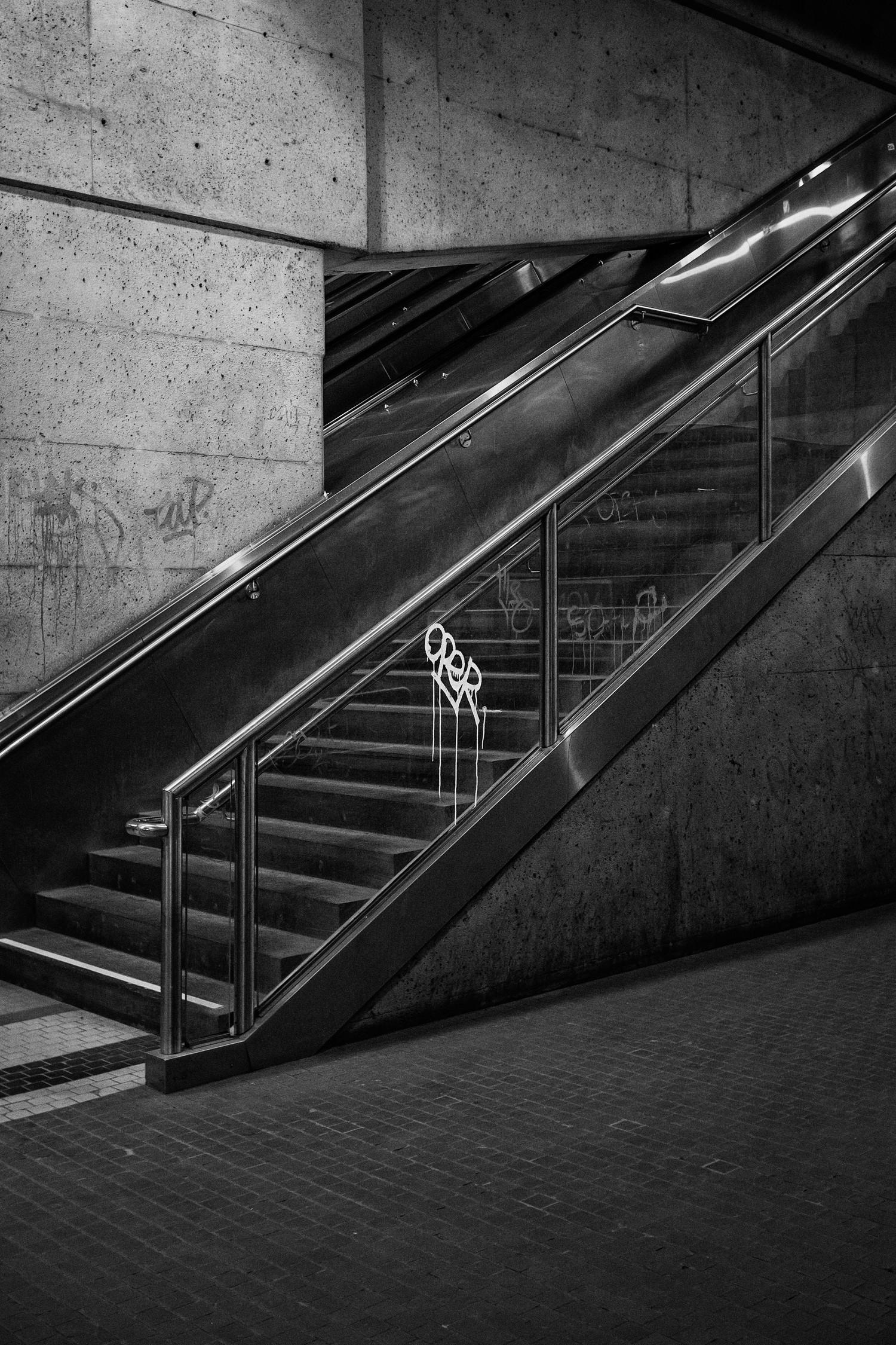 3_Grafitis Metro MTL-0212-36-Opt BnW Final.jpg