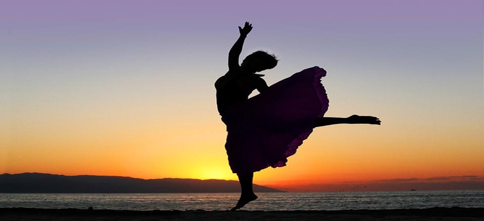 praise-dance-clip-art-BZbcT1-clipart.jpg