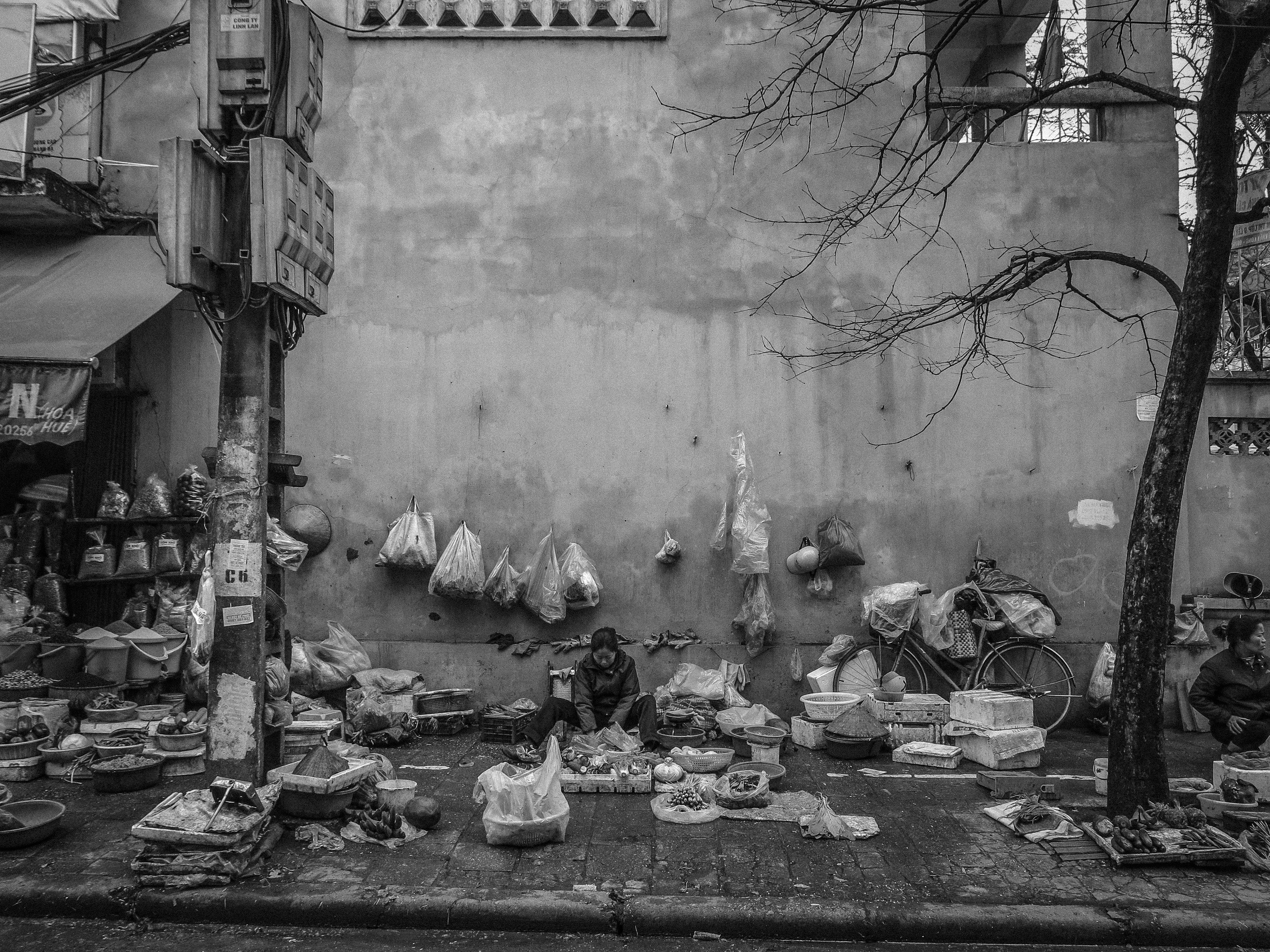 hanoi street cafe-3.jpg