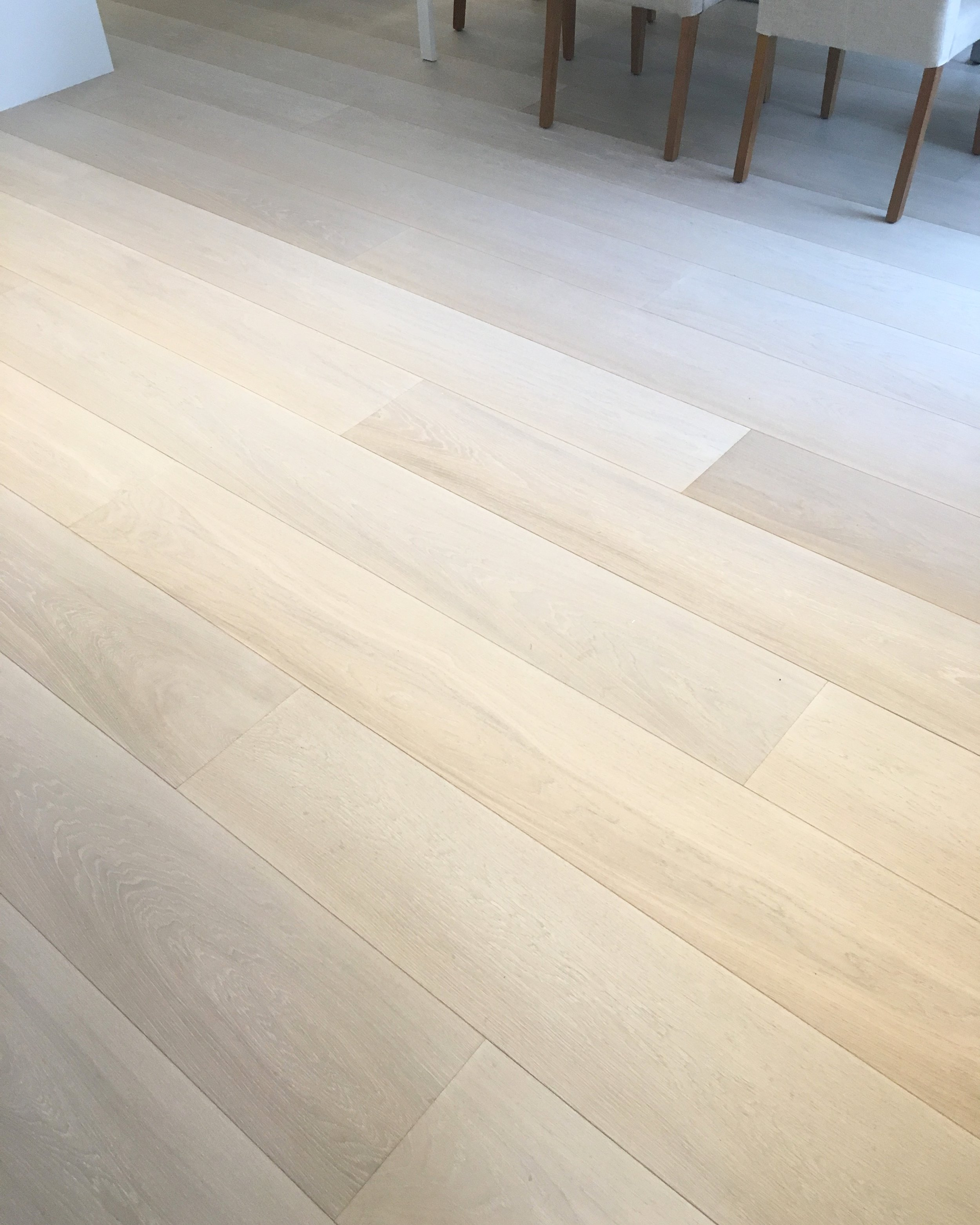 We offer a wide range of wood grades including Select: exceptional clarity, minimal colour change, sound pin knots up to 1cm, no cracks, no sapwood, no insect damage. And most importantly, responsibly harvested.