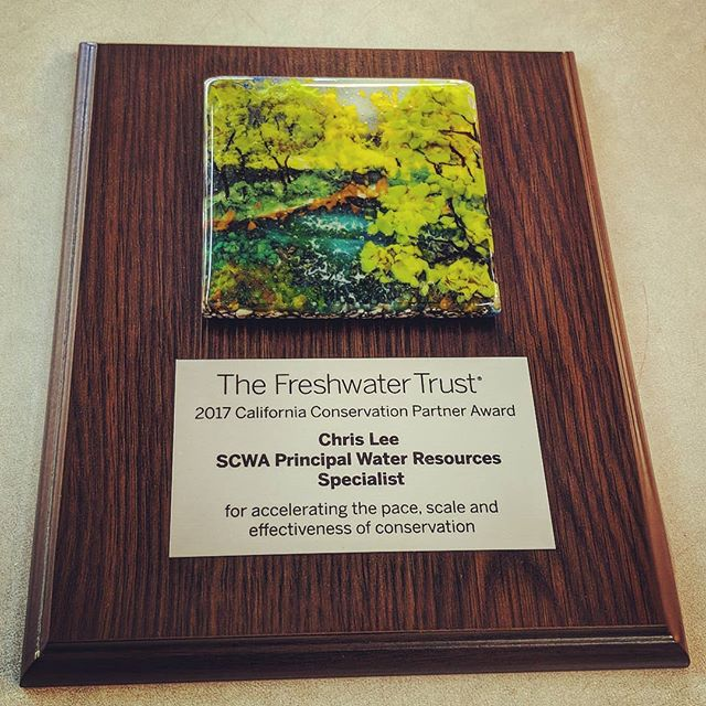 A wonderful custom piece done for the Fresh Water Trust along with a beautiful glass piece from Ann Cavanaugh. It was a great chance to showcase a beautiful piece of art and recognize outstanding work.  #freshwatertrust #anncavanaughfusedglass #sublimationprinting #sublimation