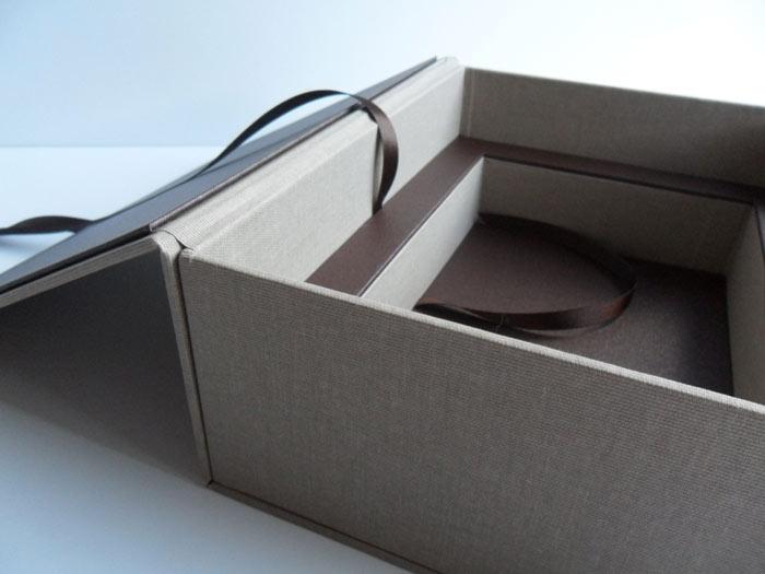 Box recesses