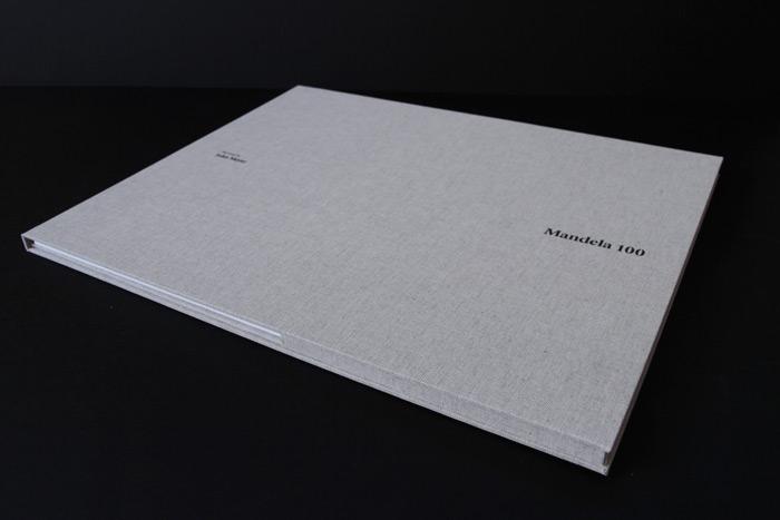 24_the_binding_studio_mandela100_print_folder_closed_web.jpg