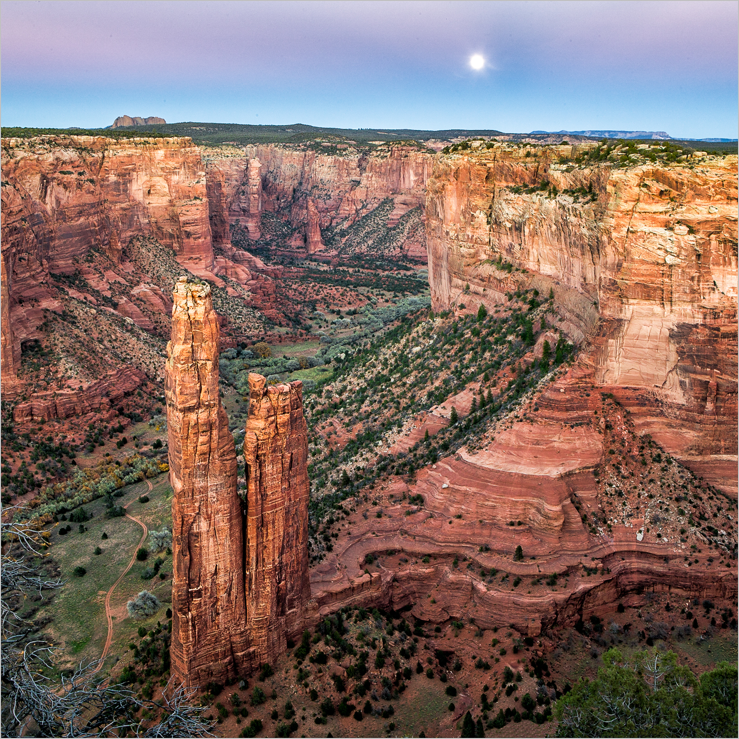 Spider Rock in Canyon de Chelly  © Howard Grill