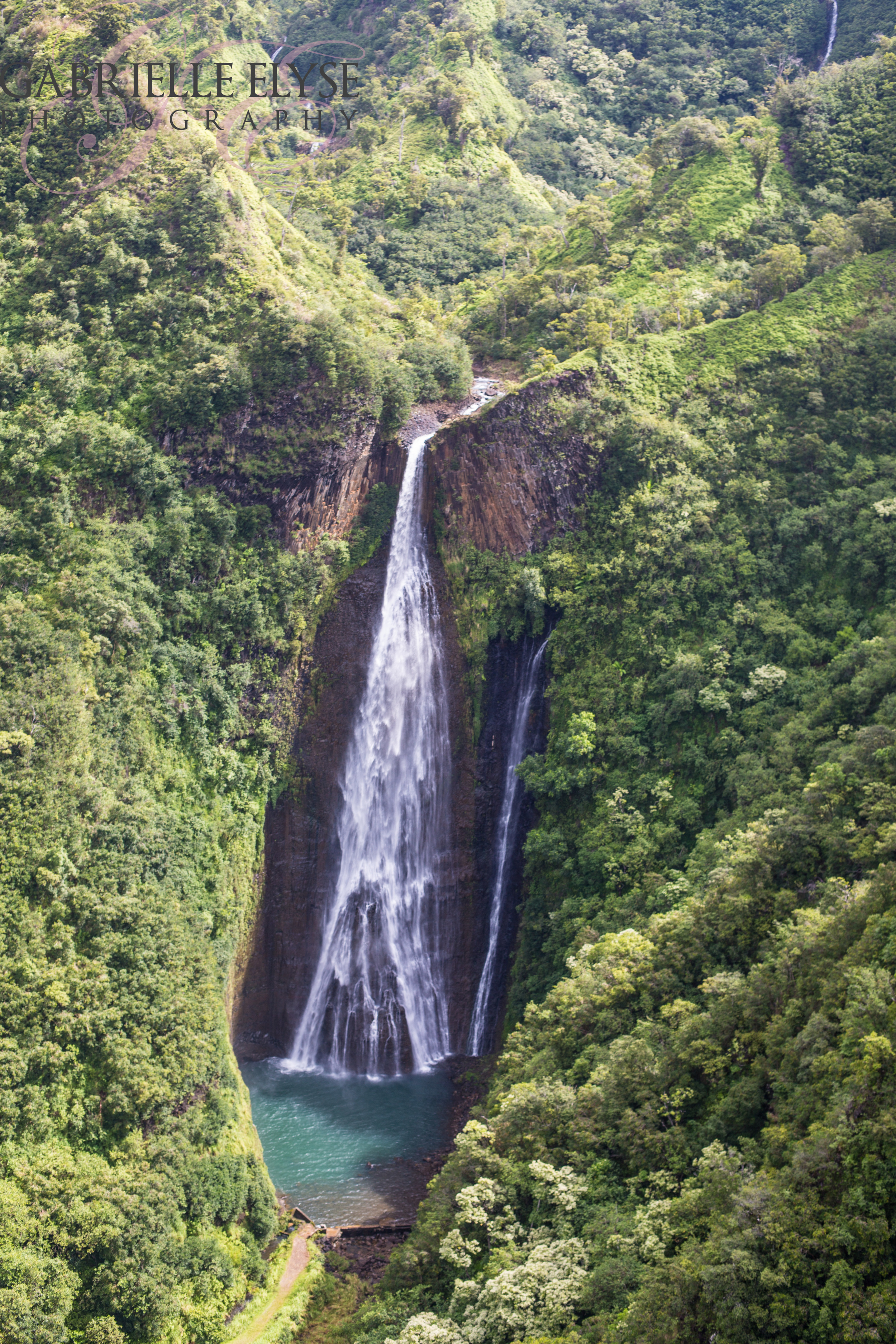 The waterfall from the first Jurassic Park - Manawaiopuna Falls. GORGEOUS, but no dinosaurs