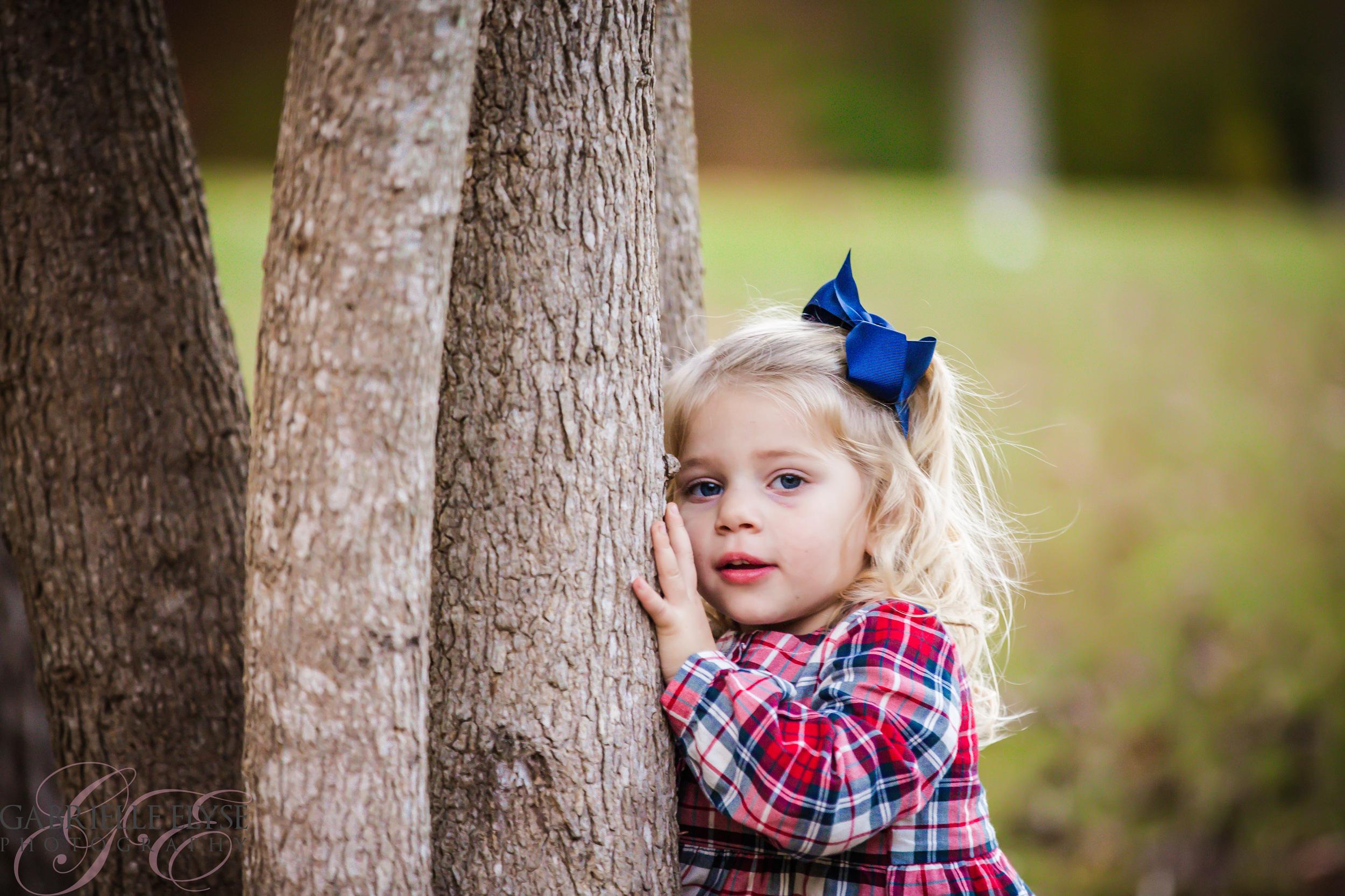 peek a boo tree girl