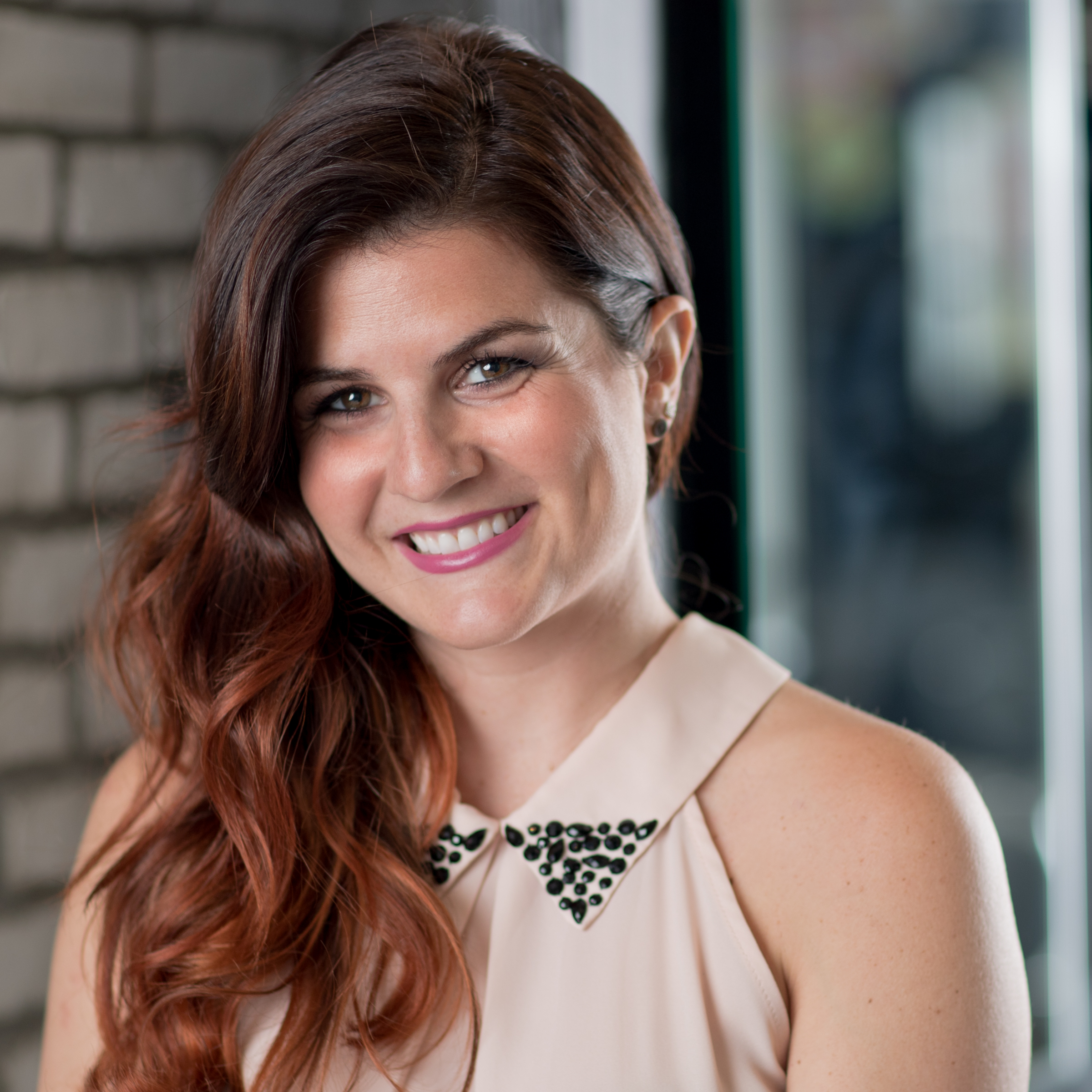 COLORIST + STYLIST   LINDSAY VITILLO  GET TO KNOW ME