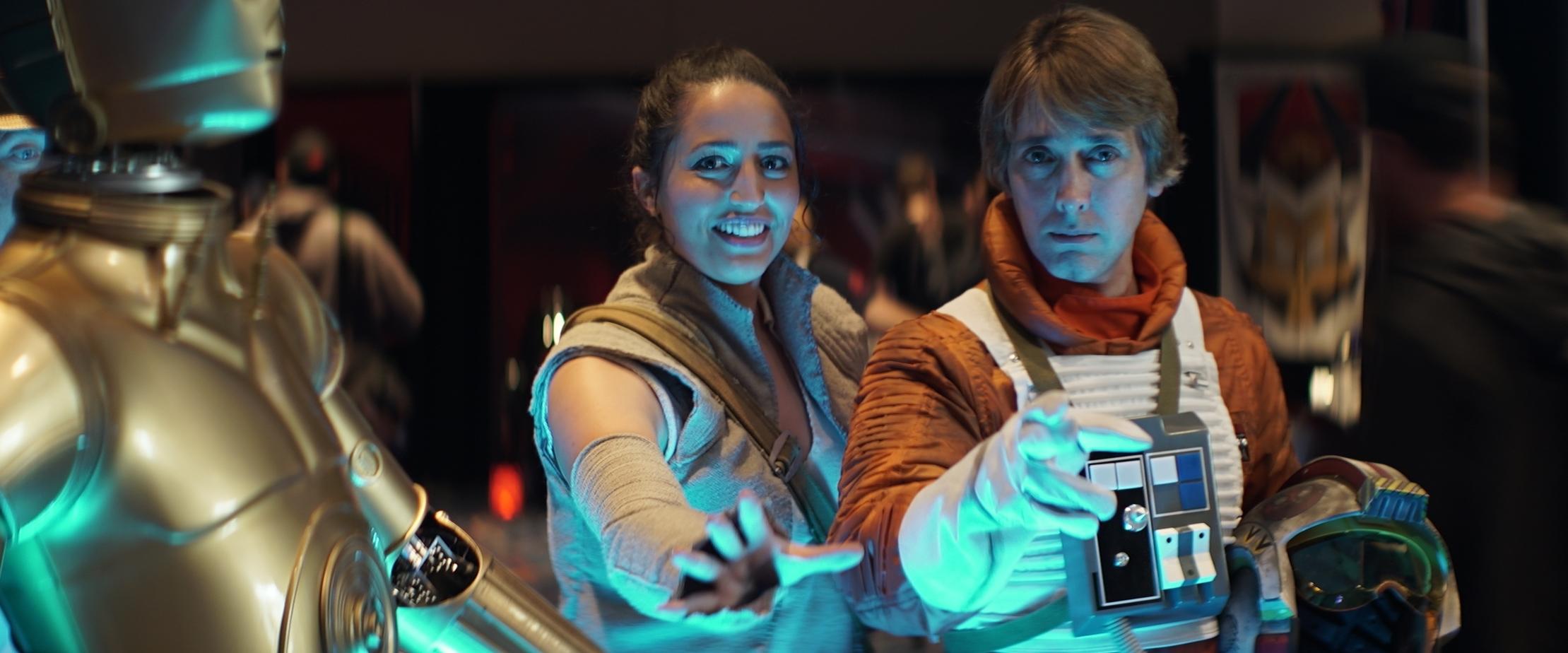 Rey & Luke Use The Force