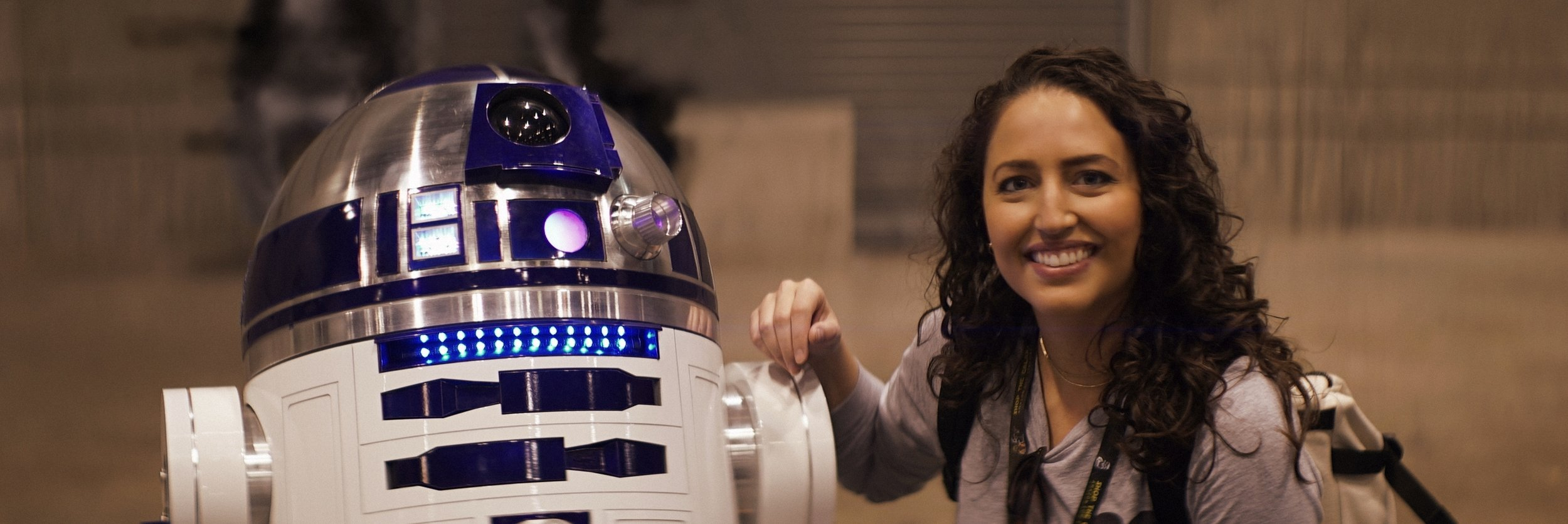 Lomo 75mm Anamorphic Lens | Star Wars Celebration Chicago - SWCC |    Olivia Otten    with R2-D2. - Photo by: Keith Nickoson