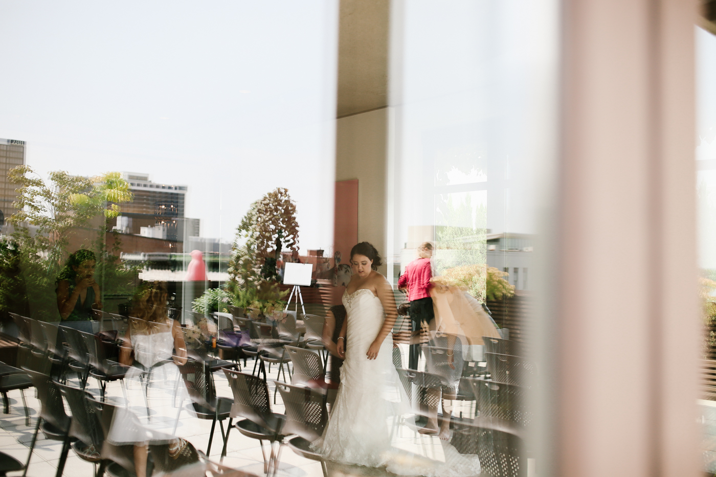 21c-rooftop-Louisville-elegant-kentucky-chicago-wedding-1-2.jpg