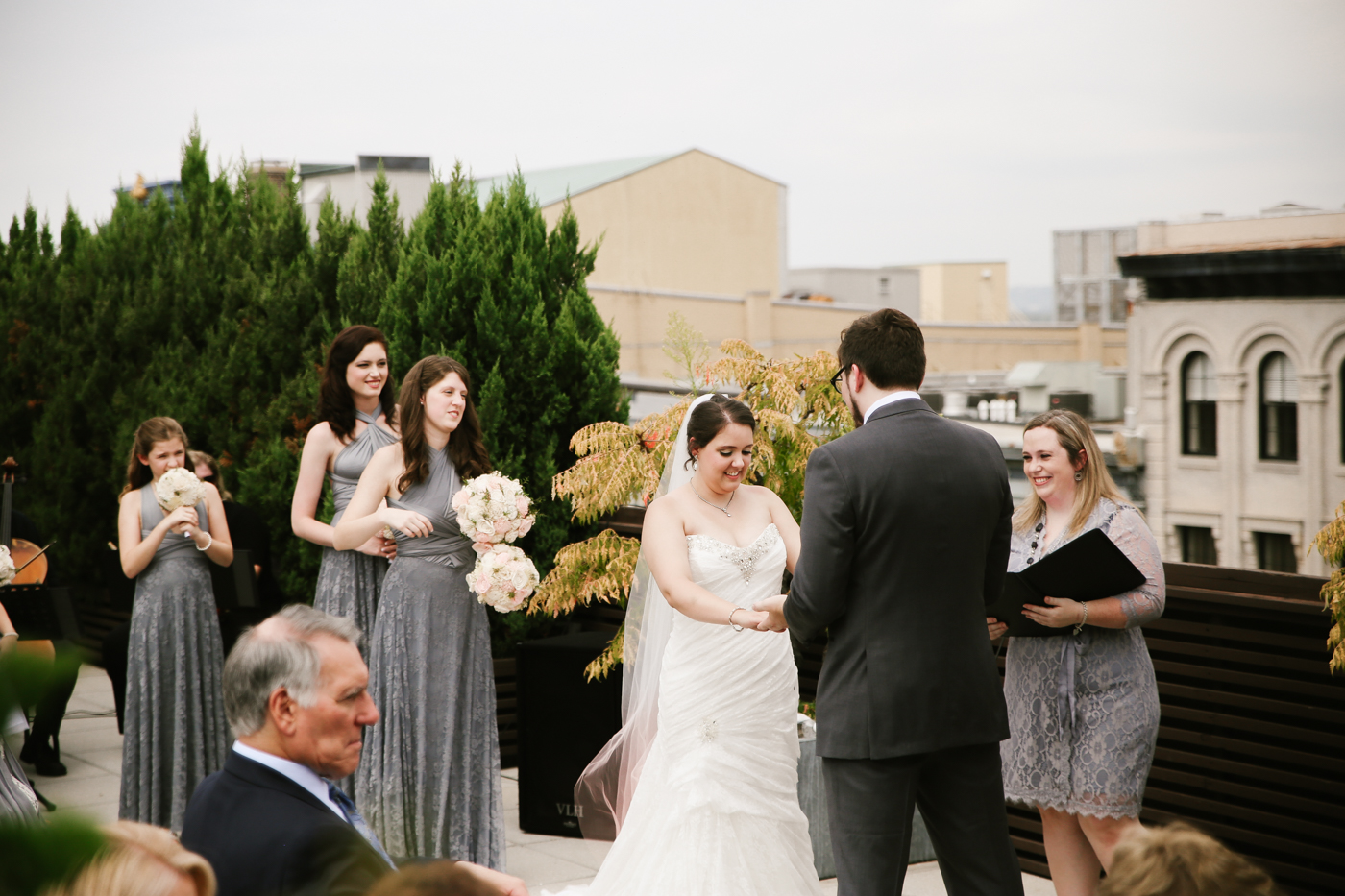 21c-rooftop-Louisville-elegant-kentucky-chicago-wedding-202.jpg