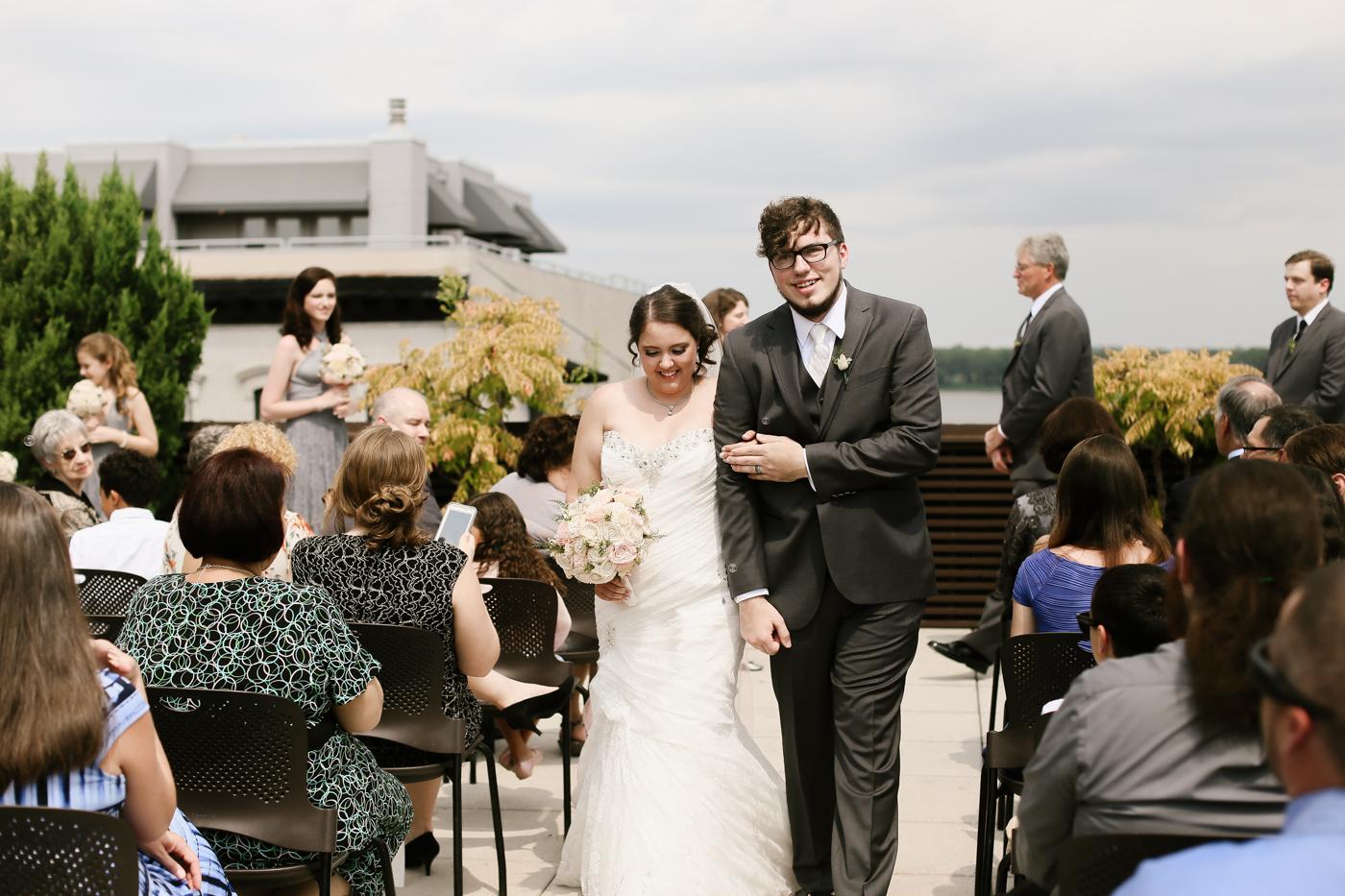 21c-rooftop-Louisville-elegant-kentucky-chicago-wedding-229.jpg